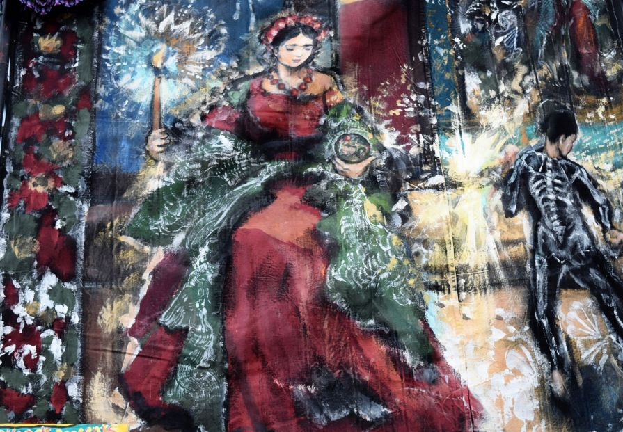 See this beautiful piece by artist Arthur Price. (Donna Cope/Alabama NewsCenter)