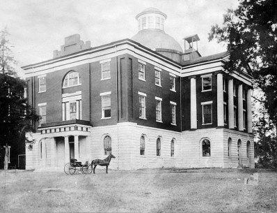 Alabama state capitol, Tuscaloosa, c. 1890. (HABS, Library of Congress Prints and Photographs Division)