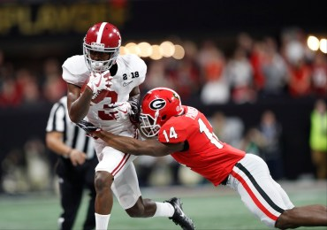 Alabama wide receiver Calvin Ridley (3) makes a play in the National Championship Game. (Crimson Tide Photos)