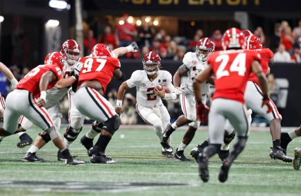 Alabama quarterback Jalen Hurts (2) in the National Championship Game. (Crimson Tide Photos)