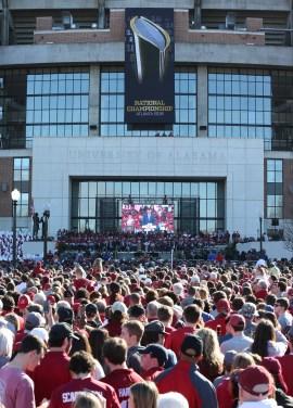 An estimated 40,000 fans turned out for the Alabama Crimson Tide national championship celebration. (Robert Sutton)