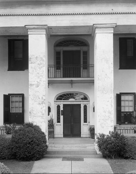 Bluff Hall, Demopolis, 1939. (Photograph by Frances Benjamin Johnston, Library of Congress Prints and Photographs Division)