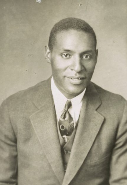 Portrait of Oscar Adams, charter member N.A.A.C.P. (Photograph by Barnett Camera Shop, Library of Congress Prints and Photographs Division)