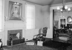 View from the drawing room into the dining room of the First White House of the Confederacy, 1934. (Photograph by W.N. Manning, HABS, Library of Congress, Prints and Photographs Division)