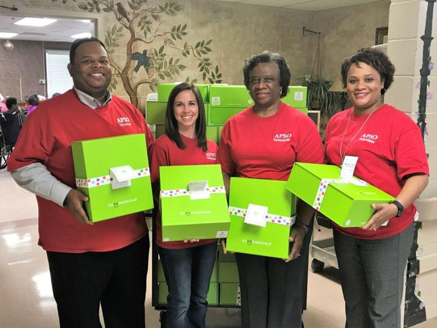 APSO volunteers ready to spread cheer with Cheeriodicals. (Linda Brannon/Alabama NewsCenter)