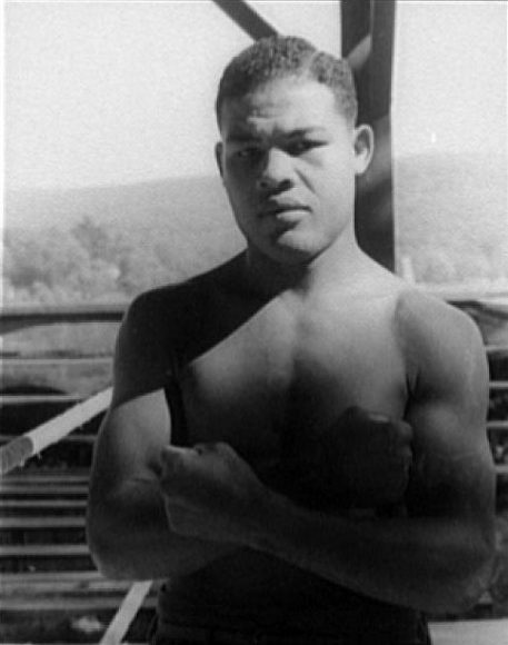 Portrait of Joe Louis, Sept. 15, 1941. (Photograph by Carl Van Vechten, Library of Congress, Prints and Photographs Division)