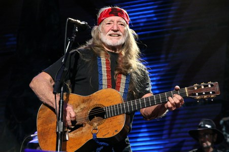 Willie Nelson performs during Farm Aid at the Verizon Wireless Amphitheater on October 2009 in St Louis, Missouri. (Photo by Taylor Hill/Getty Images)