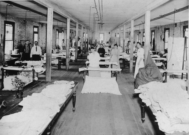 Patients working in the laundry at Bryce Hospital, a mental care facility founded in Tuscaloosa in 1859. Patient engagement in manufacturing and chores were central to the facility's approach to mental health treatment. (From Encyclopedia of Alabama, courtesy of W.S. Hoole Special Collections Library, The University of Alabama Libraries)