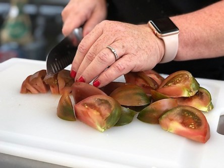 Chef Sherron Goldstein of Fresh Fields Cooking prepared an almost too beautiful to eat Fattoush at the Les Dames Takeover series. (Alabama NewsCenter)