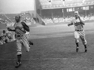 Jesse Owens beat George Case in a 100-yard dash held as a promotion for Bill Veeck's Cleveland Indians at Cleveland Stadium in 1946. Case was known as the fastest base runner in the major leagues at the time. (From Encyclopedia of Alabama, courtesy of Library of Congress)
