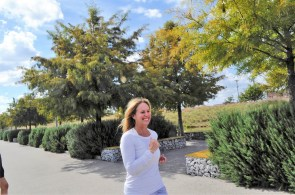 BHM26.2 co-founder Stephanie Moore runs at Railroad Park. (Karim Shamsi-Basha/Alabama NewsCenter)
