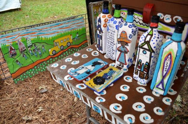Ruth Robinson's art has made it in New York City, but some of her neighbors in Grand Bay, Alabama, may not even know she's a painter. (Michael Tomberlin/Alabama NewsCenter)