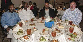 Veterans enjoyed lunch. (Billy Brown/Alabama NewsCenter)