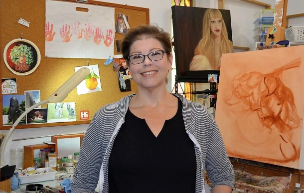 Lisa Warren of Lisa C. Warren Studio in Mobile produces ceramic art and paintings. (Michael Tomberlin / Alabama NewsCenter)
