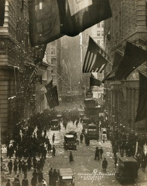 Wall Street commemorates the German surrender that ended World War 1. (Library of Congress, Prints and Photographs Division)