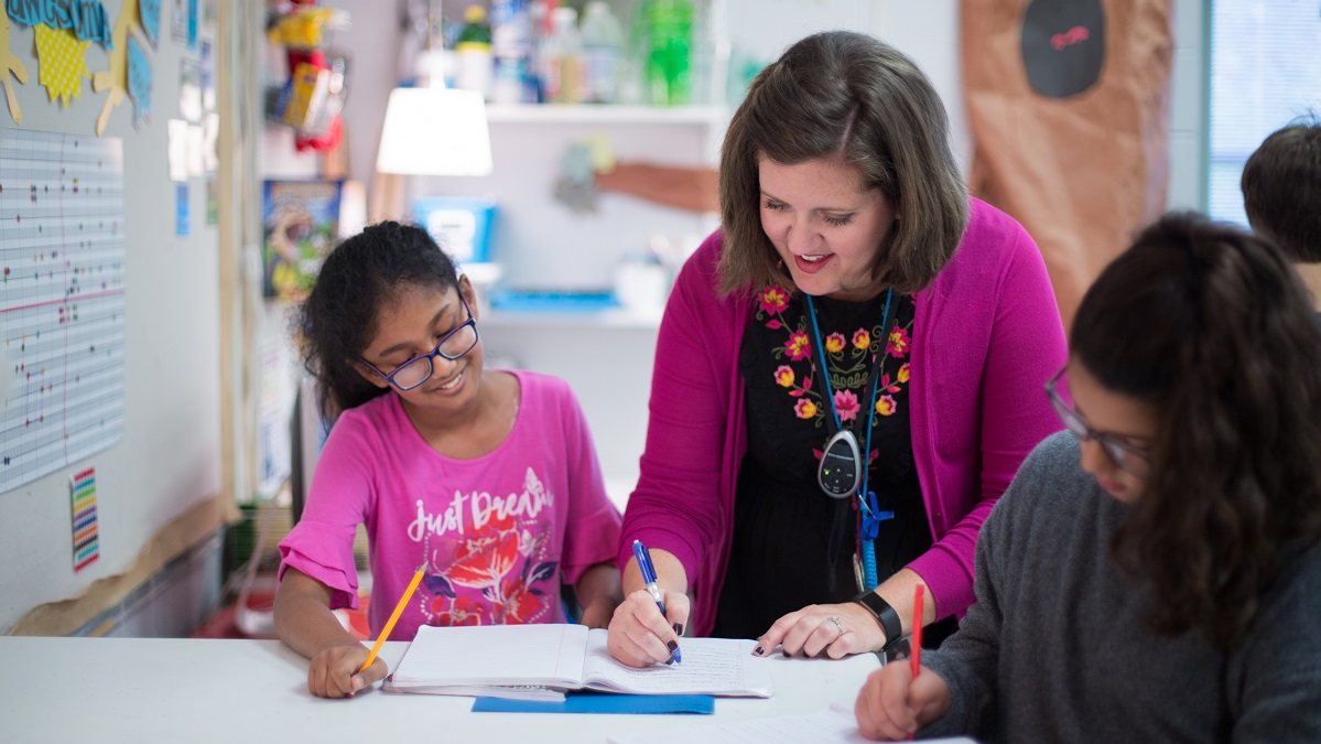 Samford University alumna wins 'Oscar' of teaching profession