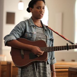 Cato's gift of singing is one way she believes she helps people. (Joe Allen / Alabama NewsCenter)