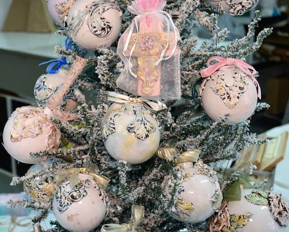 Clay paper ornaments are among the most popular holiday items at Janie and Renee Art Studio. (Michael Tomberlin / Alabama NewsCenter)