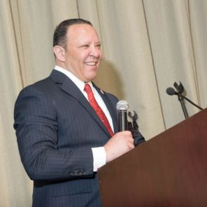 Marc Morial speaking to guests at the Equal Opportunity Dinner. (Jerome Smedley)