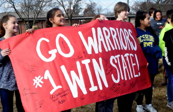Students at Thompson Intermediate School wish the Thompson High School Warriors well on the way to a state championship showdown with Central-Phenix City. (Solomon Crenshaw Jr./Alabama NewsCenter)