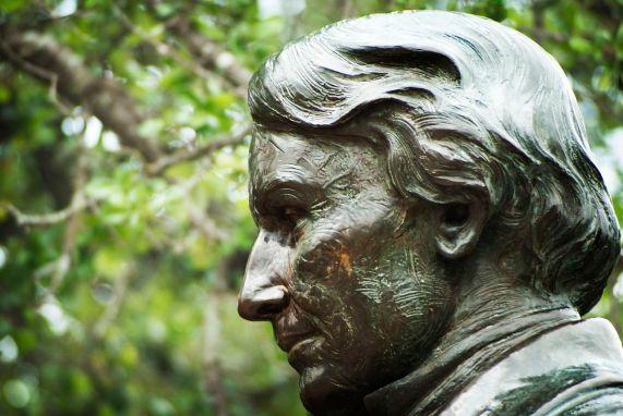 Statue of Robert Baylor at Baylor University, 2012. (Brentsalter, Wikipedia)