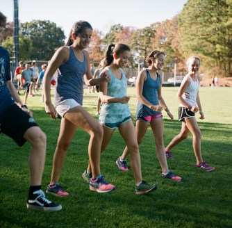 Amrita Lakhanpal at an Altamont cross country practice. (Karim Shamsi-Basha/Alabama NewsCenter)