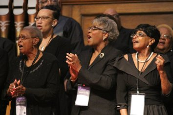 The Carleton Reese Memorial Unity Choir sings for the congressional delegation. (Justin Averette/Alabama NewsCenter)