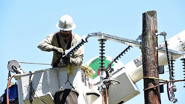 Alabama Power and others observe National Lineman Appreciation Day