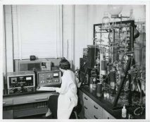 Lab at Southern Research. (Alabama Power Archives)