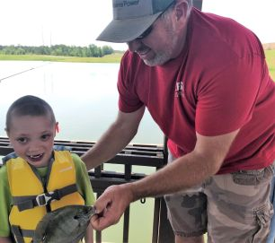 Magic City APSO's Brandon Smith shared the joy of fishing. (Donna Cope/Alabama NewsCenter)
