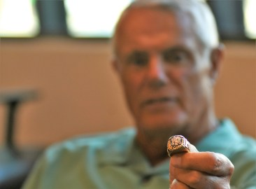 Piniella holds his 1977 Yankees World Series ring, the first of three he earned in Major League Baseball. (Solomon Crenshaw Jr./Alabama NewsCenter)