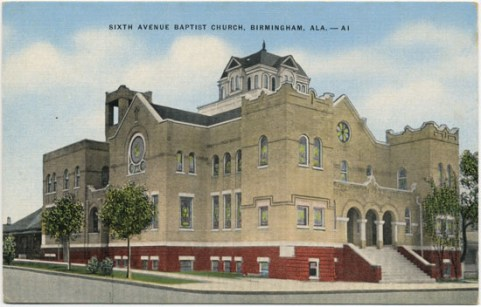 Linen postcard of Sixth Avenue Baptist Church. (Published by the Moore News Agency, printed by the E.C. Kropp Company, Bhamwiki)