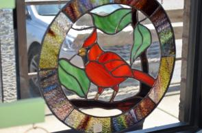 Adams' Glass Studio produces works of art out of glass. (Michael Tomberlin / Alabama NewsCenter)
