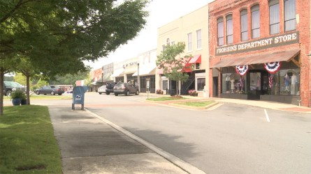 Businesses on Broad Street are also feeling the benefits of the work to grow Main Street. (Dennis Washington / Alabama NewsCenter)
