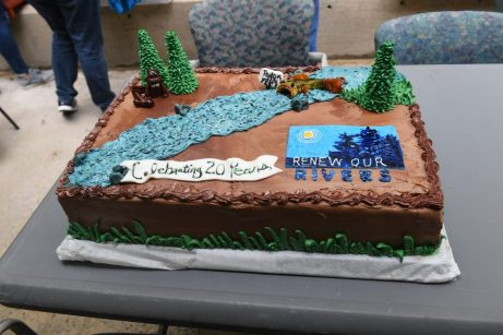 A cake commemorates the Renew Our Rivers cleanup efforts. (file)