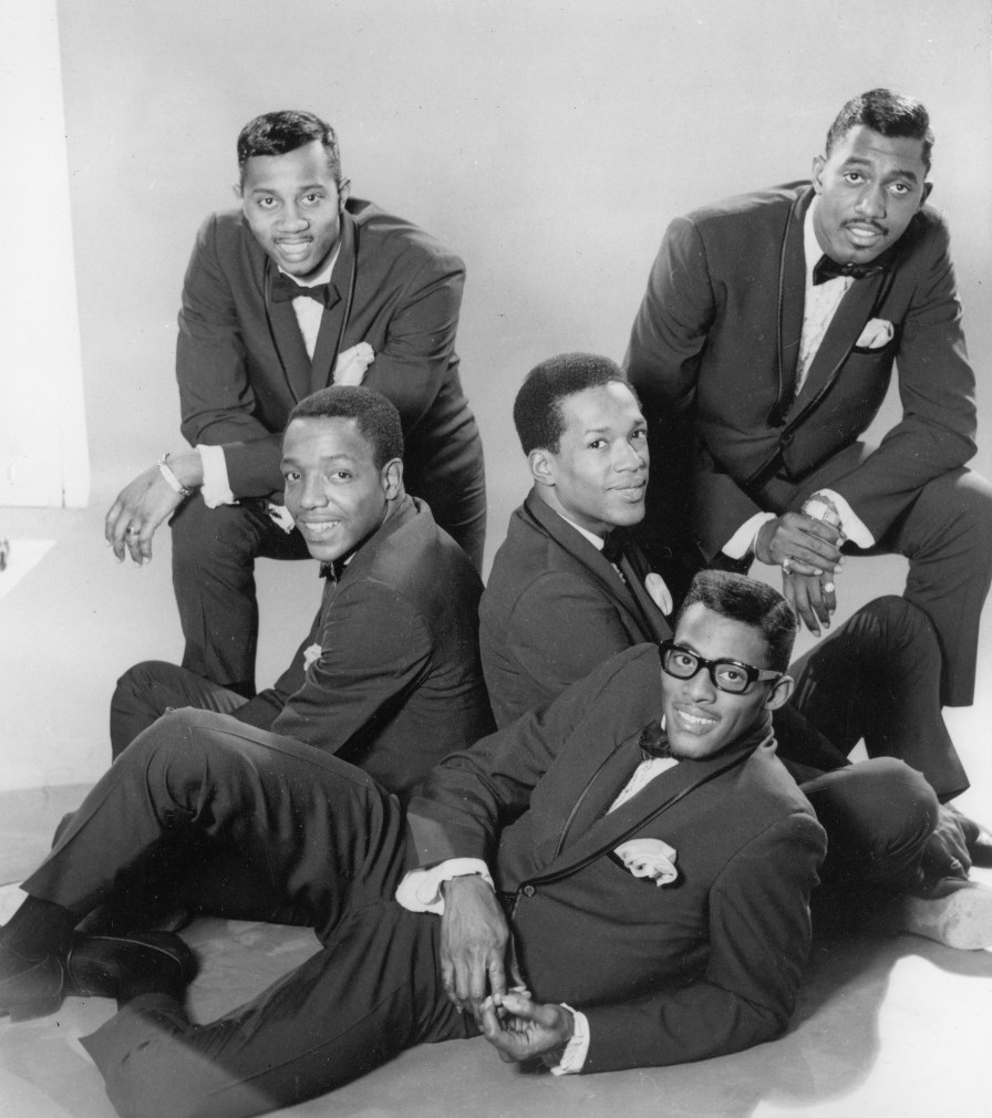 Promotional portrait of the America R&B group the Temptations, mid-1960s. (Photo by Hulton Archive/Getty Images)