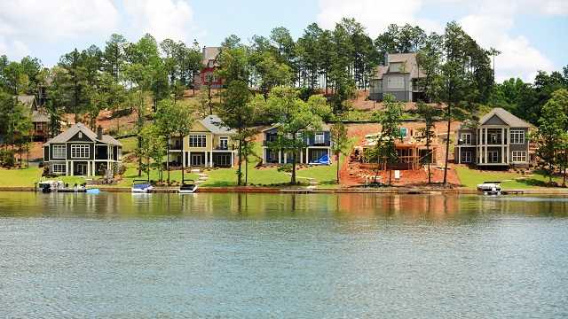 Lake Martin waterfront home sales up from one year ago