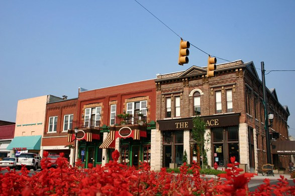 Tuscumbia is the county seat of Colbert County in northwest Alabama, situated near Pickwick Lake and Wilson Dam. The city is home to the Alabama Music Hall of Fame and is the birthplace of Helen Keller. (From Encyclopedia of Alabama, courtesy of Colbert County Tourism & Convention Bureau)