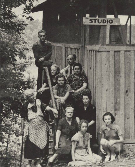 Dixie Art Colonists at the Lake Jordan studio in 1938. (contributed)