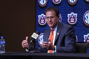 Auburn coach Gus Malzahn speaks at SEC Media Days 2019. (Bruce Nix / Alabama NewsCenter)