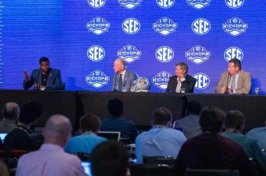 Herschel Walker, Archie Manning and Steve Spurrier at SEC Media Days 2019. (Dennis Washington / Alabama NewsCenter)