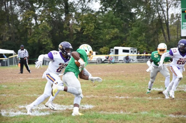 Kendrell Walker (2) moves in for a tackle. (Miles College Athletics)