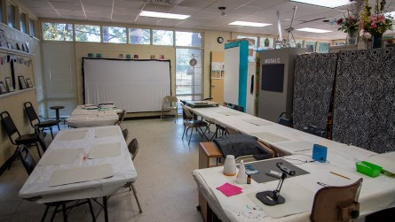 Several classes are offered weekly at the Art Center at Lavretta Park in Mobile. (Dennis Washington / Alabama NewsCenter)