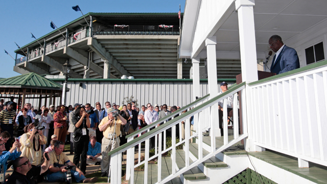 On this day in Alabama history: Hank Aaron Childhood Home and Museum relocated to Mobile stadium