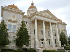 Shelby County Courthouse in Columbiana, 2012. (Rivers Langley, SaveRivers, Wikipedia)