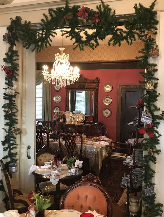 Cobb Lane's dining room awaits guests. (Donna Cope/Alabama NewsCenter)