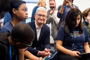 Apple CEO Tim Cook toured the Ed Farm at the announcement of the initiative on Feb. 27, 2020. (Nik Layman / Alabama NewsCenter)