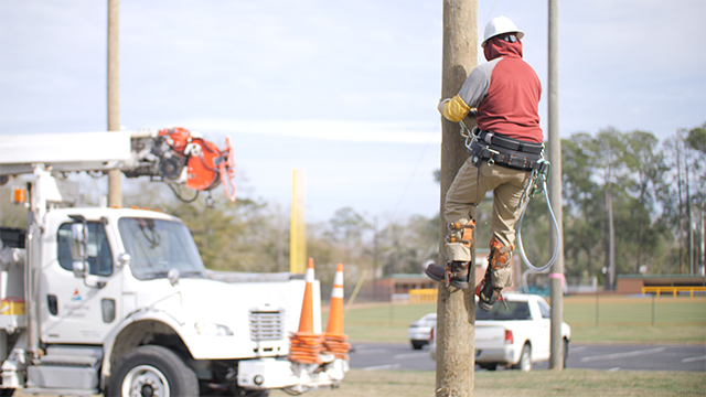 Birmingham-area community colleges to offer lineworker training