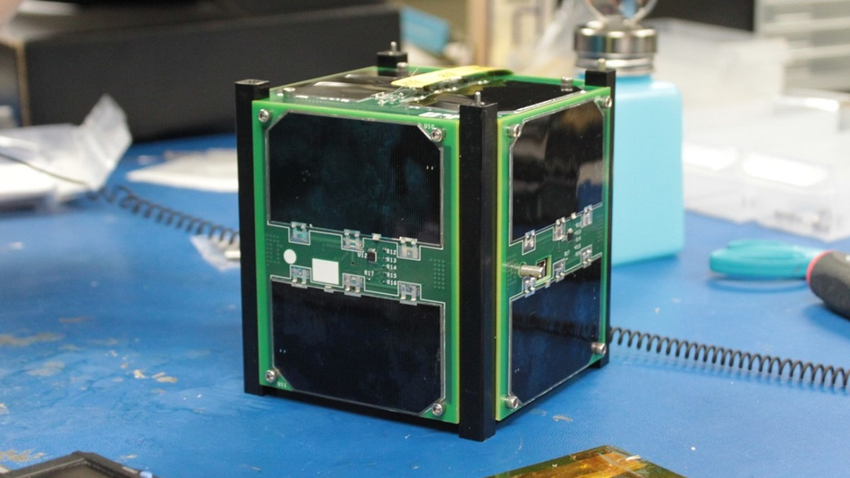 University of Alabama satellite team offering virtual space lessons