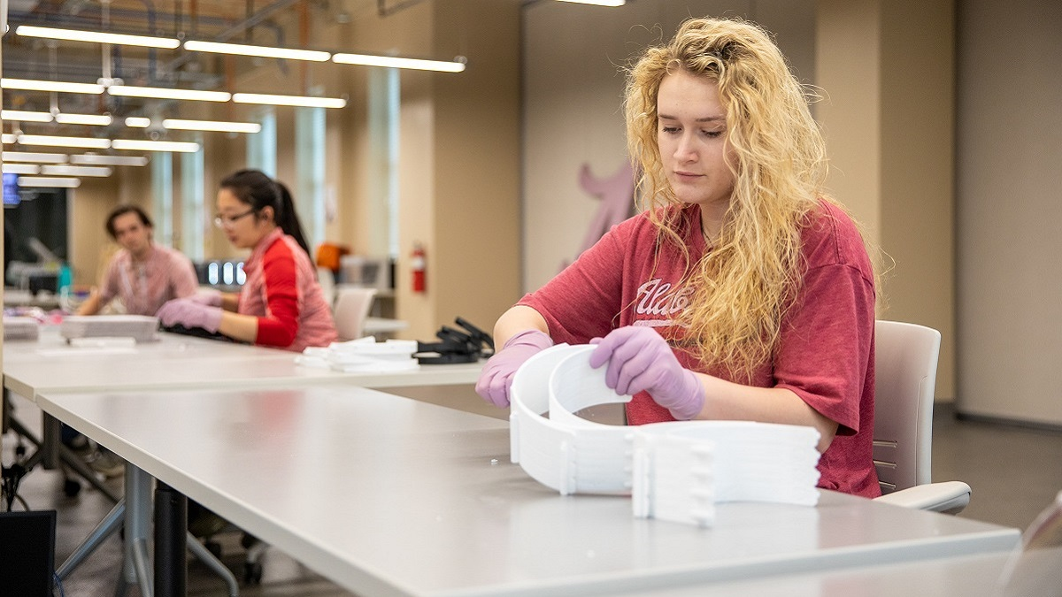 University of Alabama helping fabricate protection for health care workers